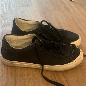 Once loved madewell sneakers